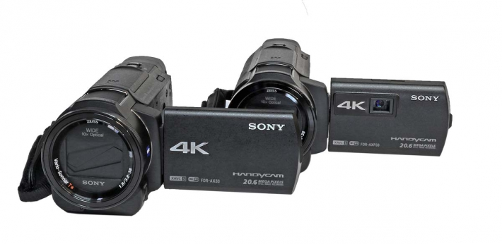 Sony HDR-AXP33 vedle AX33 bez P...