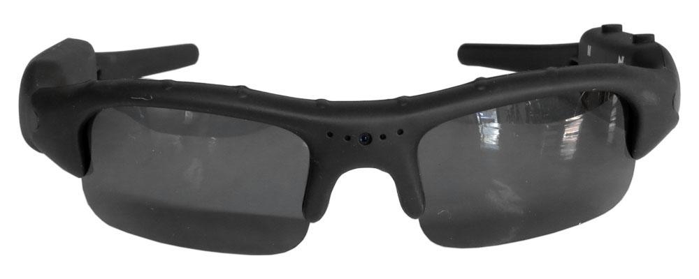 Skrytá kamerka ve slunečních  lyžařských brýlích...