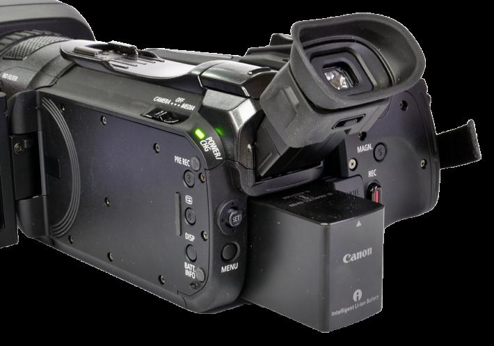 Videokamera Canon Legria GX10 v zadním detailu